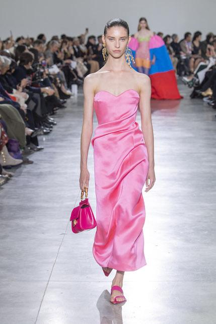Il rosa sarà un must have questa primavera: ecco qualche idea di shopping in tema!