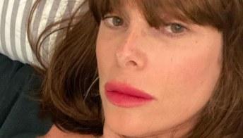 Alessia Marcuzzi cambia look: caschetto castano e frangetta su Instagram
