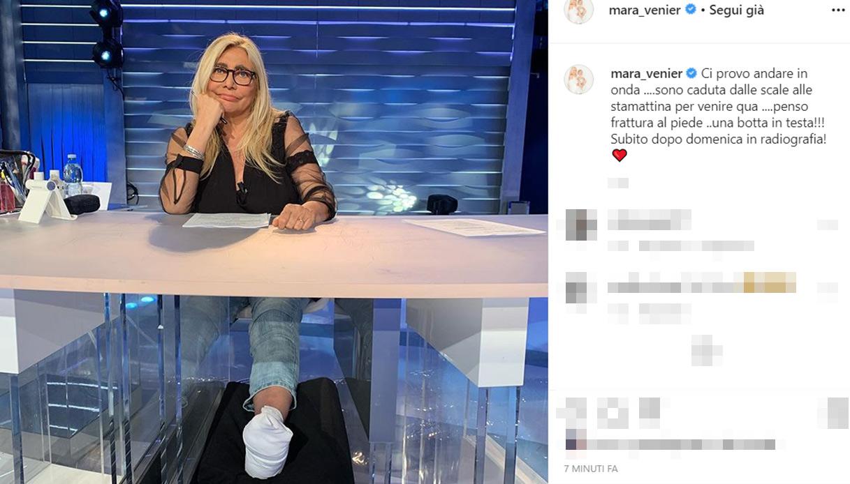 Mara Venier piede rotto
