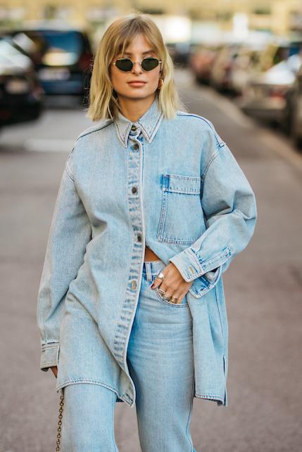 La camicia in jeans: un must have per 4 stagioni