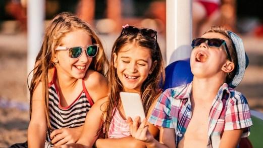 Bambini sicuri in piccoli gruppi. Il parere dei pediatri