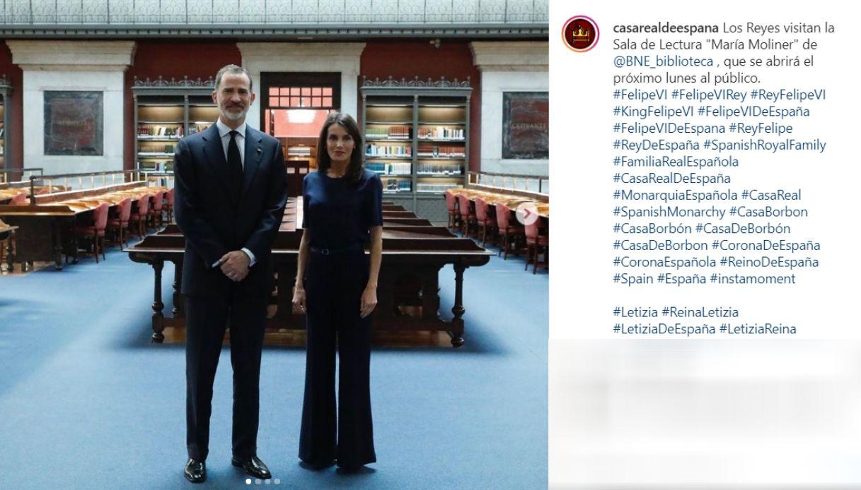 Letizia di Spagna, il pantalone che tutte dovremmo avere nel