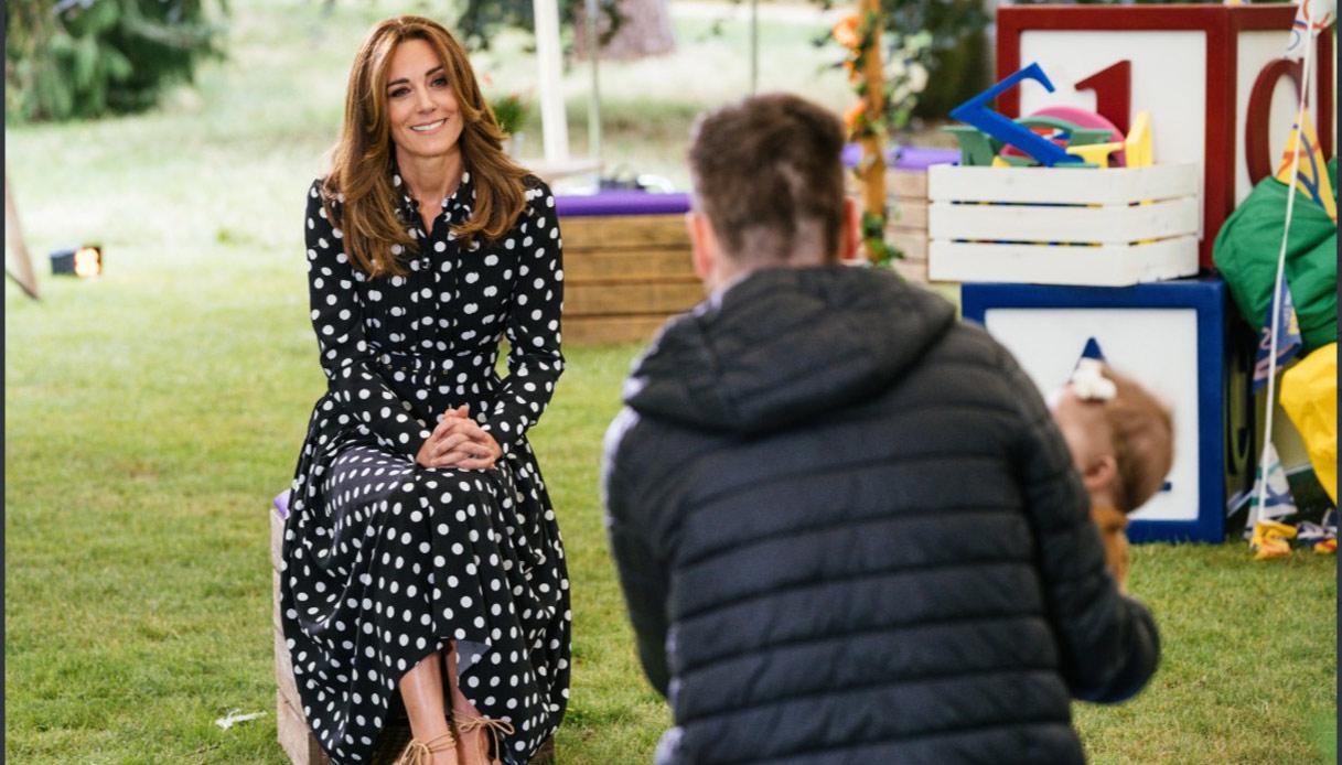 Kate Middleton con l'abito da quasi duemila euro commette l'
