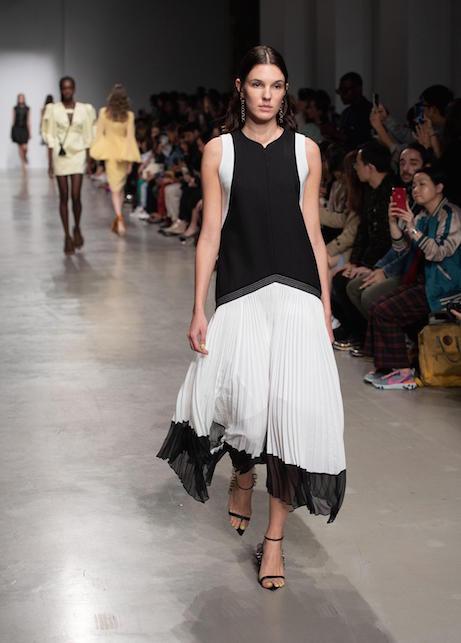 Idee di look in bianco e nero: come creare un look con stile