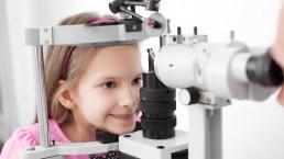 Riparte la scuola? Occhi sotto controllo per evitare problemi alla vista