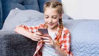 Smartphone ai bambini: sì ma con giudizio