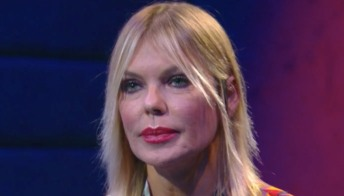 GF Vip: Matilde Brandi senza freni ne ha per tutti, ma poi si emoziona