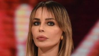 """Carlos vive con Corona, lo sfogo di Nina Moric: """"Vorrei vederti 5 minuti"""""""
