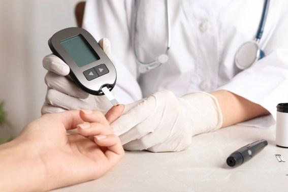 """Diabete, ricerca italiana svela le spie che """"riconoscono"""" il rischio per i reni"""