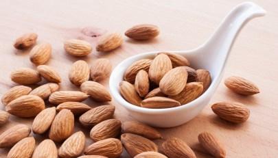 Dieta con mandorle per proteggere il cuore dal rischio infarto