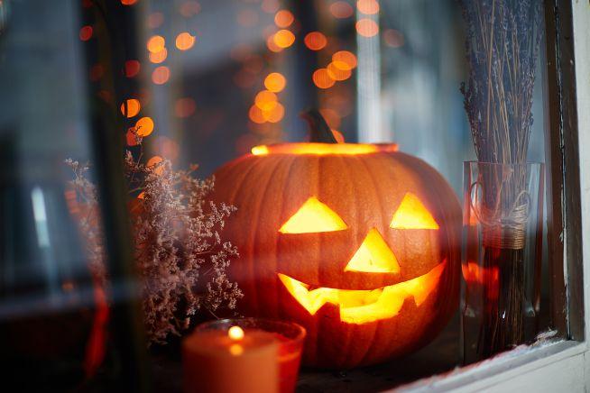 Zucca intagliata per Halloween
