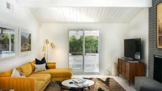Colori Pantone 2021 nel design: grigio neutro e giallo brillante