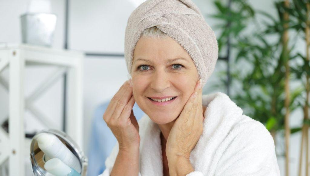 retinolo e acido retinoico su pelle matura effetto anti rughe anti-age