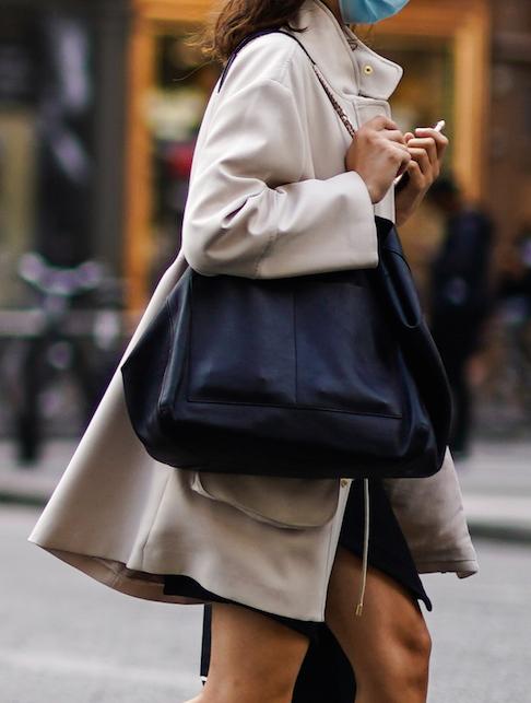 Ci sono dei modelli di borsa su cui è bene investire in saldo? Sì, ecco qui quali