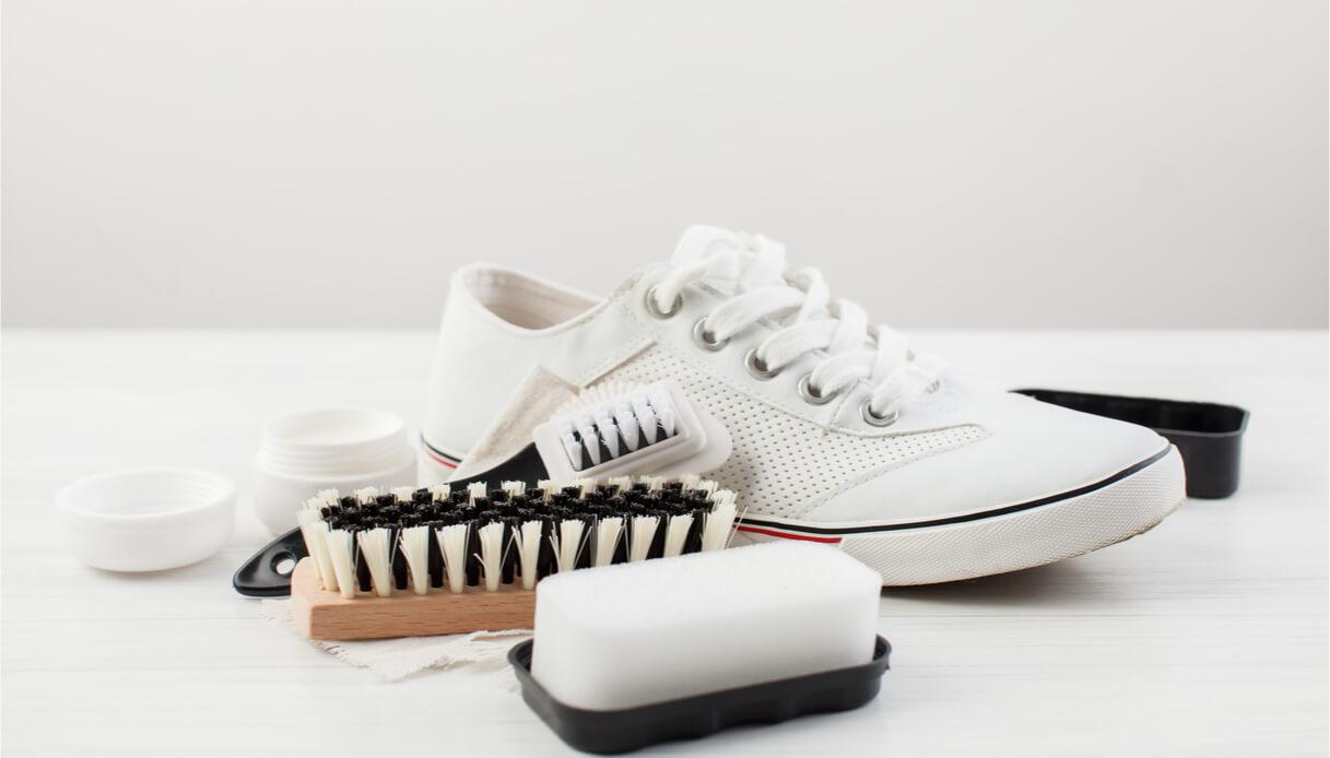 Come pulire le scarpe bianche in tela o pelle | DiLei