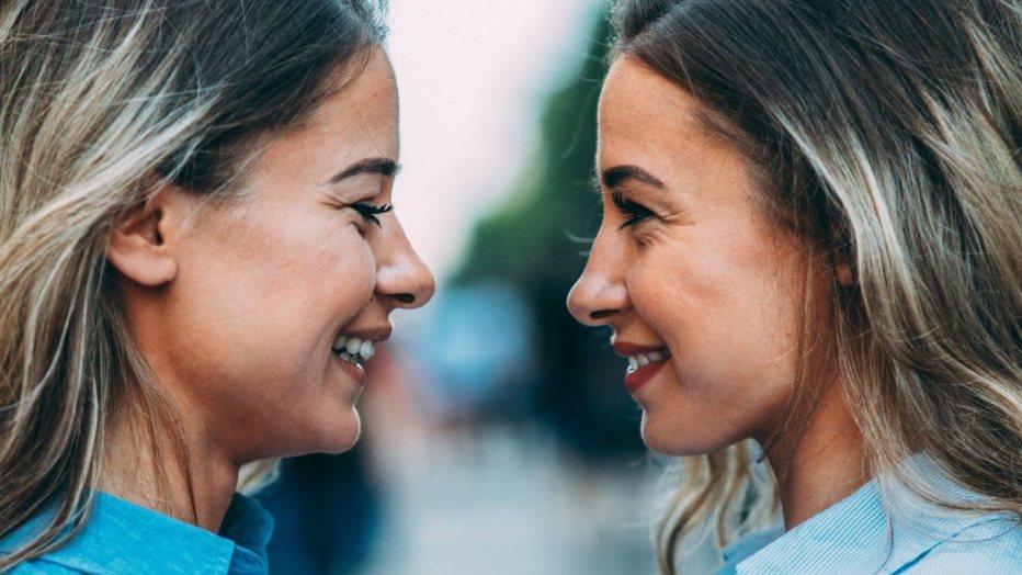 Avere una sorella ti aiuta a essere una persona migliore