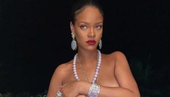 Rihanna, il topless che lascia senza fiato e lancia una provocazione