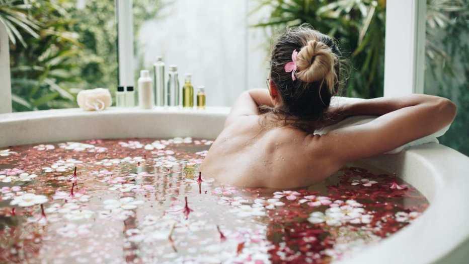 Come curare il proprio corpo per vivere bene l'intimità