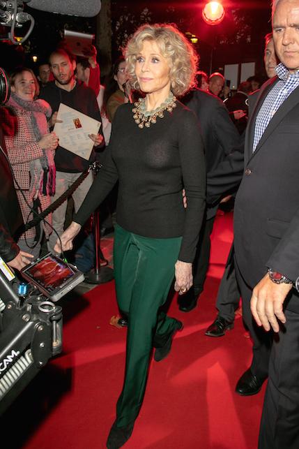 Jane Fonda in verde e nero