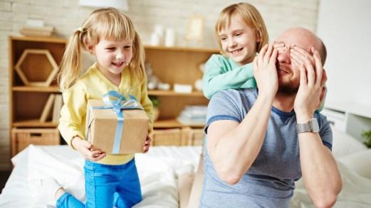 Regali economici festa del papà: idee per un pensiero sotto 30€