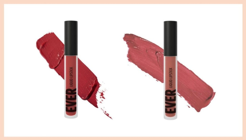 rossetti liquidi con macchia di colore sul retro su sfondo bianco