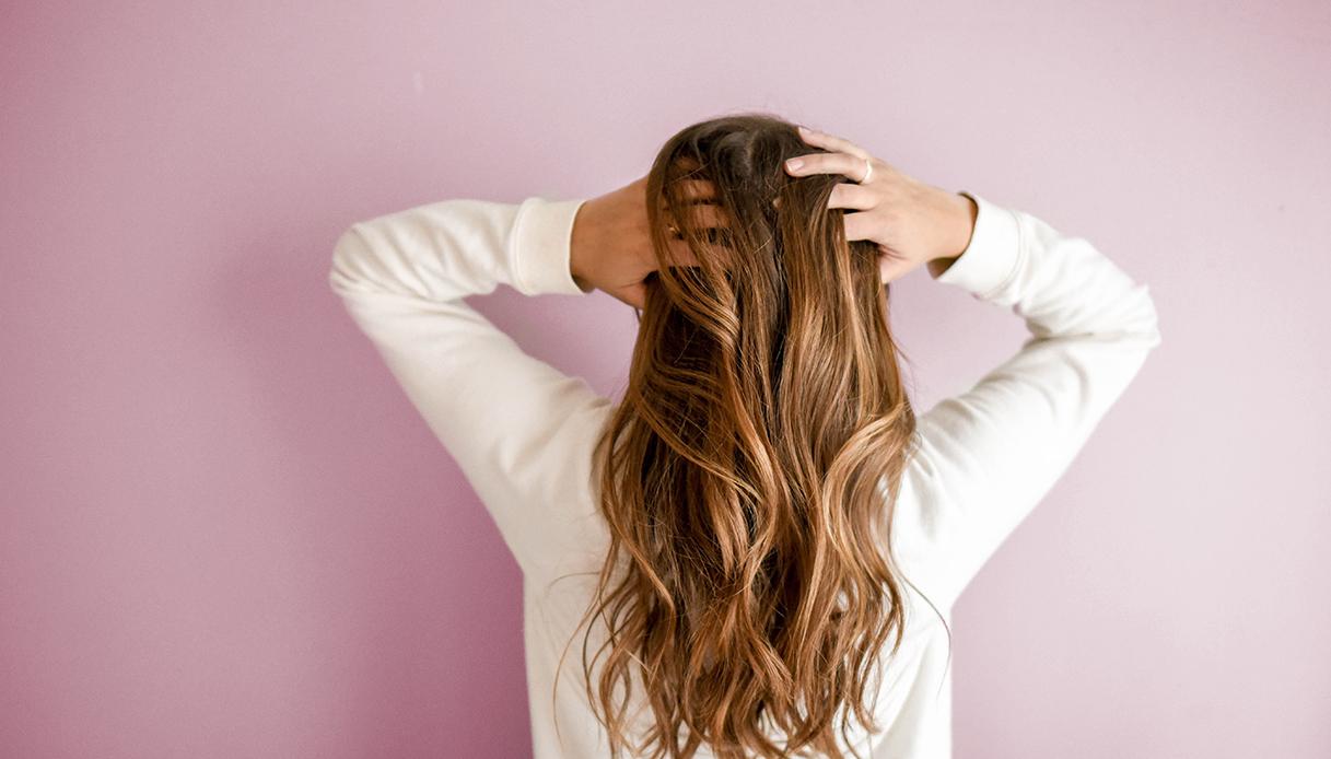 olio di cocco capelli decolorati