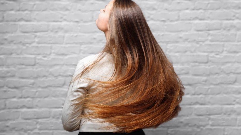 Come prevenire ed evitare riflessi indesiderati su capelli tinti
