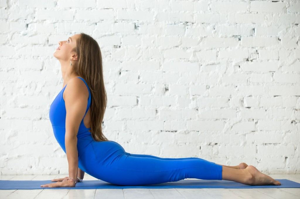 posizione yoga Cobra
