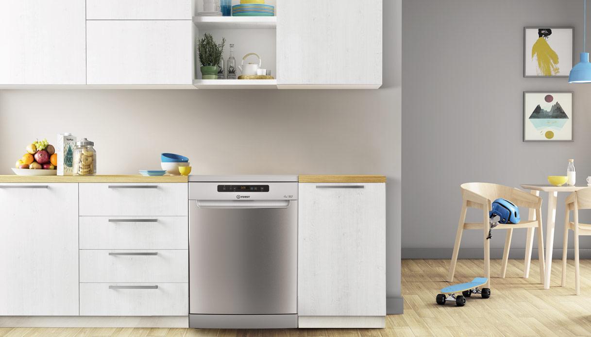 lavastoviglie Indesit