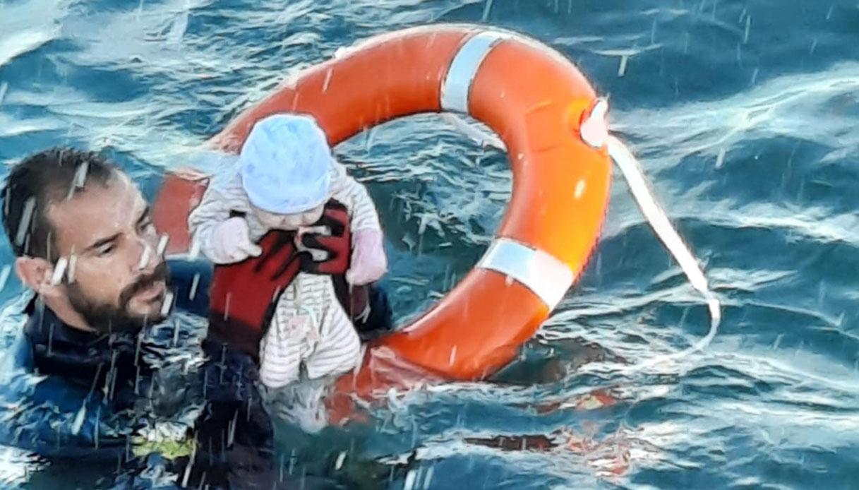 Neonato migrante a Ceuta