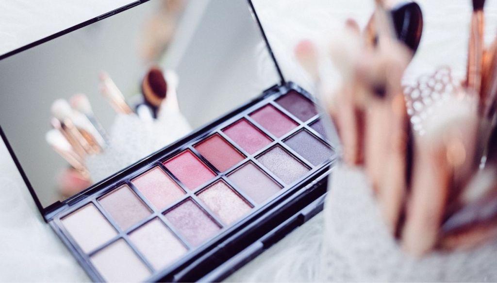 palette colori freddi viola e rosa