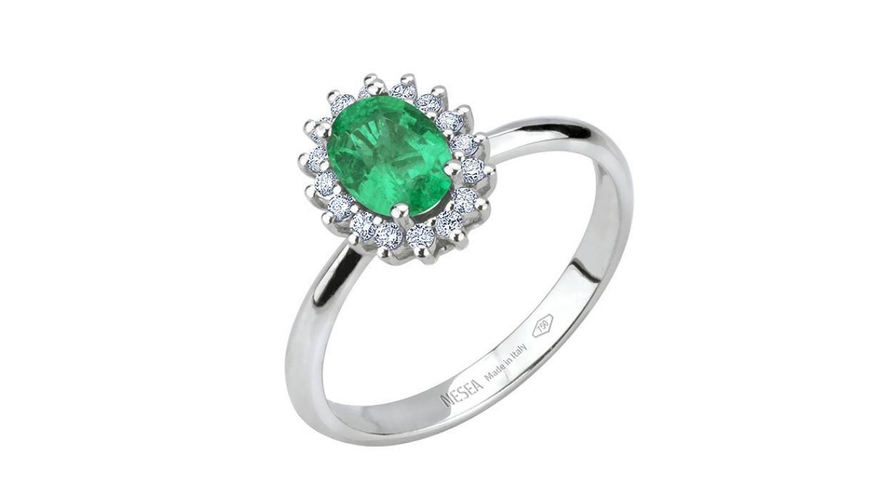 Anello diamanti e smeraldo collezione Panarea by Nesea