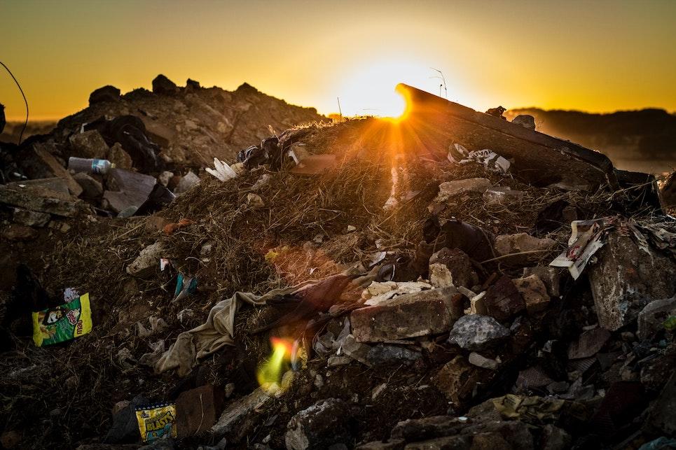 Fibre rigenerate e riciclate: la seconda vita dei tessuti (e non solo)