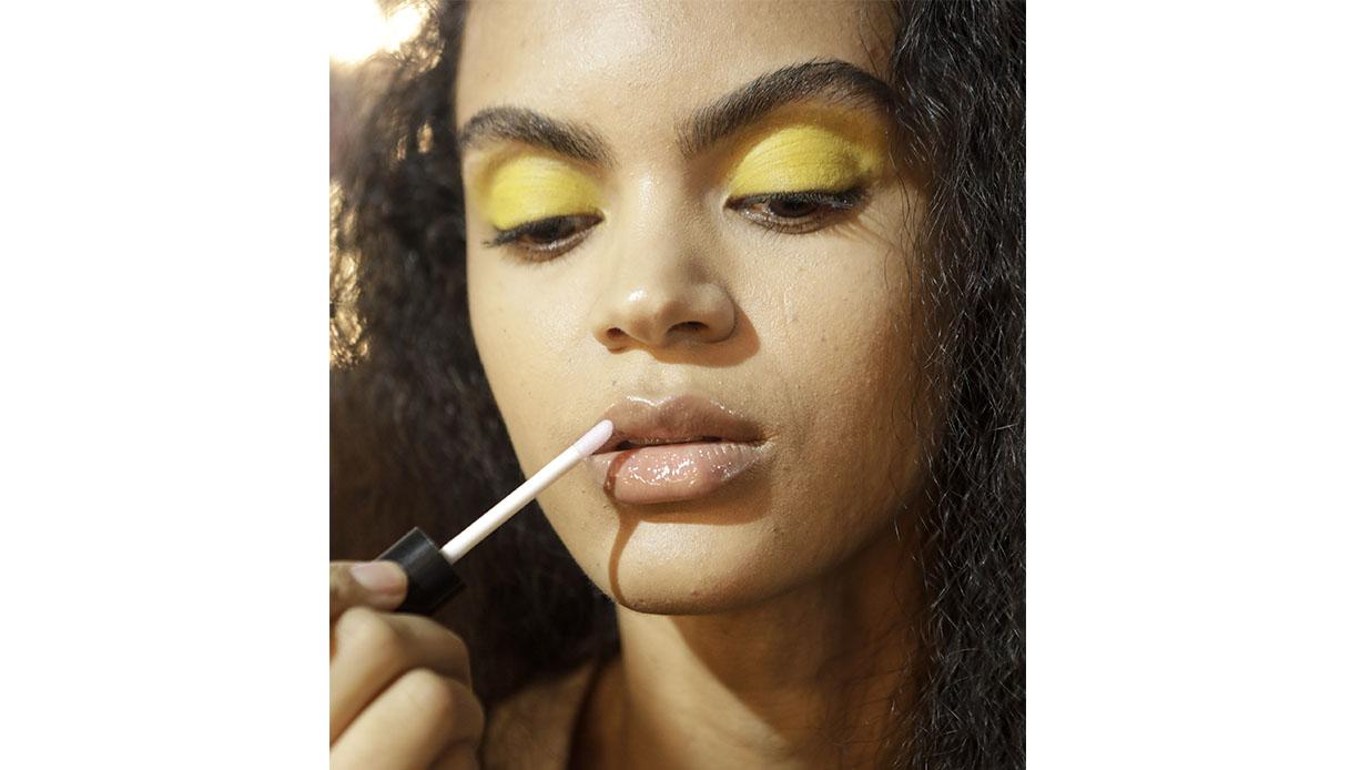 Come abbinare rossetto e trucco occhi texture