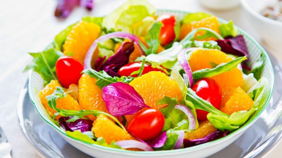La dieta delle vitamine: fai il pieno di antiossidanti e ti depuri