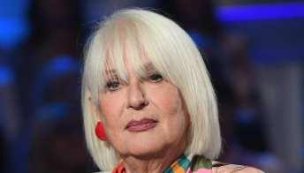 """Loretta Goggi insultata sui social: """"Non scenderò al loro livello"""""""