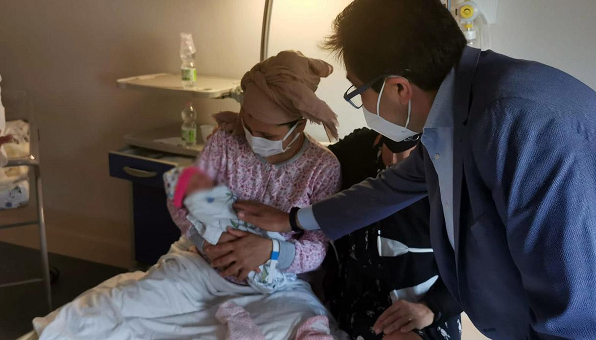 donna afgana partorisce a roma