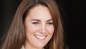 Kate Middleton, blazer spaziale da copiare e i sospetti della gravidanza