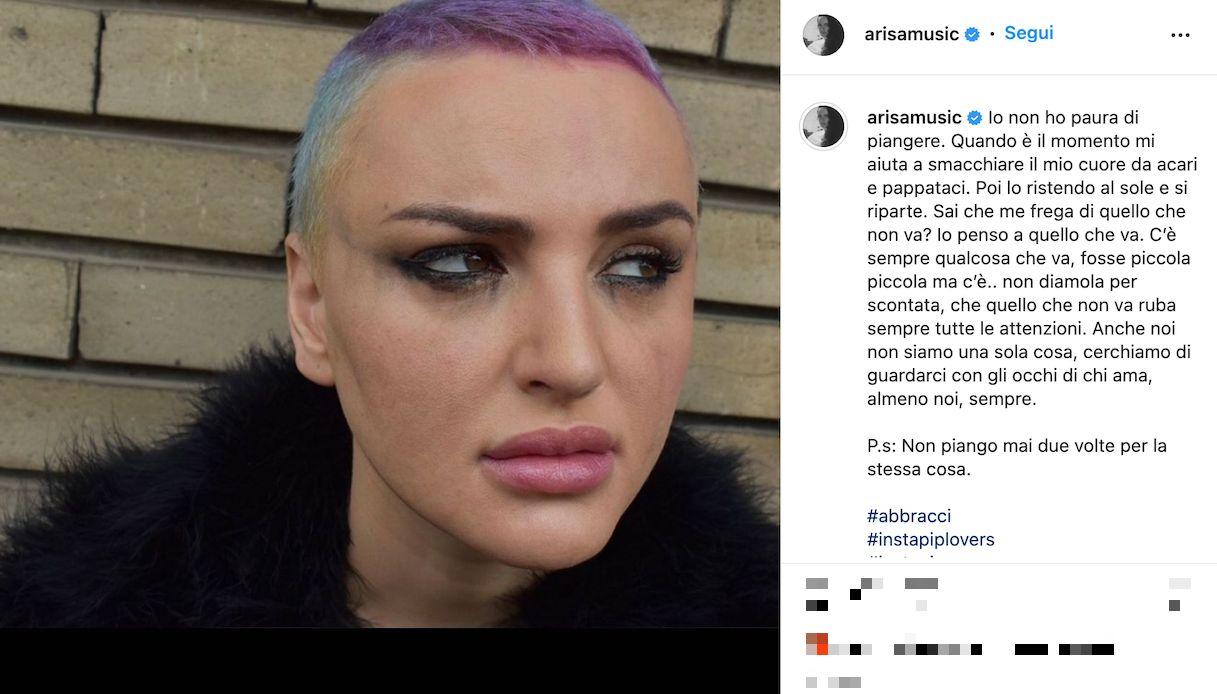 Arisa in lacrime su Instagram