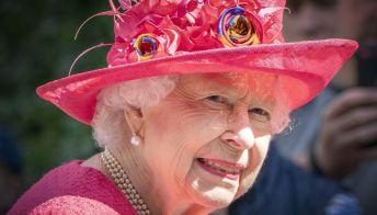 La Regina Elisabetta ricorda il Principe Filippo in un discorso che ferma il tempo