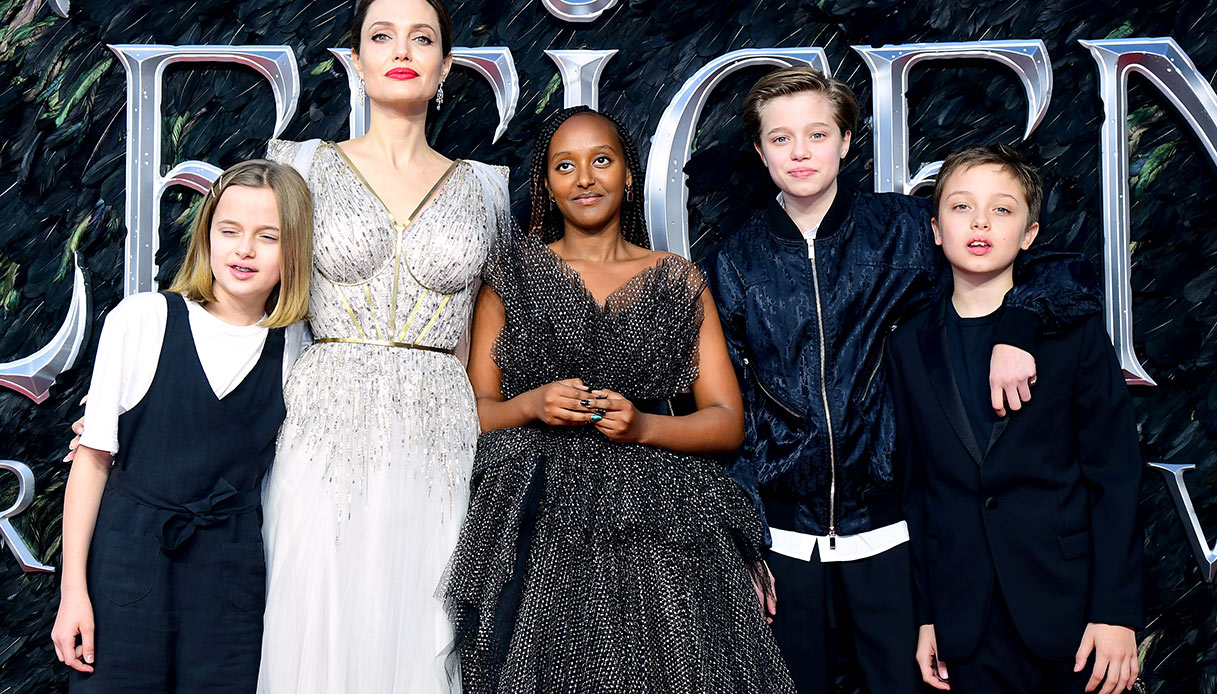 E alla fine Shiloh Jolie Pitt (ex John) arriva vestita da ragazza